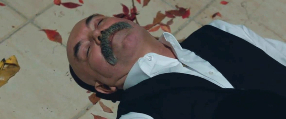 ΣΚΟΤΕΙΝΑ ΜΟΝΟΠΑΤΙΑ (ÇUKUR): Η δολοφονία του γιου του, στέλνει τον Ιντρίς στο νοσοκομείο…